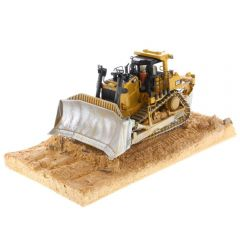 CAT 1:50 Weathered D9T Track-Type Tractor